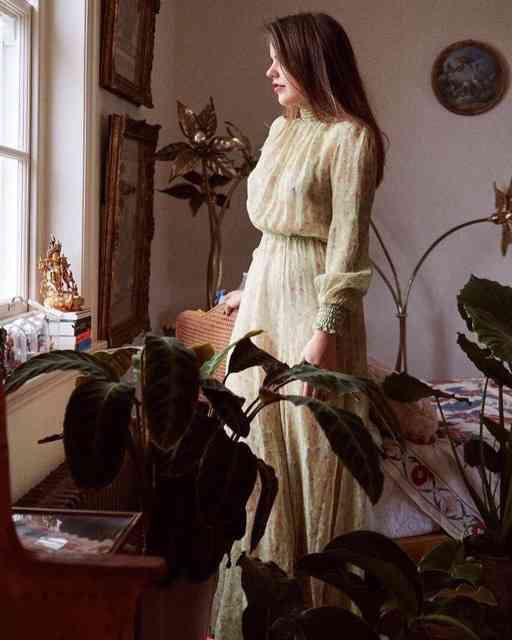 Demais este vestido e Alix, romantismo puro!